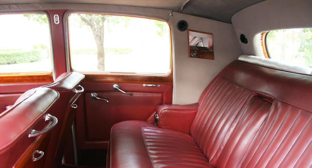 rollsroyce_back_interior_2