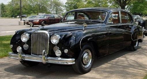 Black jaguar Wedding car Brisbane CW