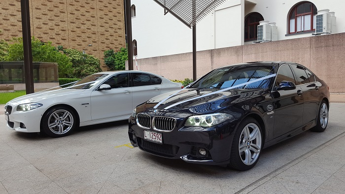 Black & White BMW Sedans-Premier Limousines R