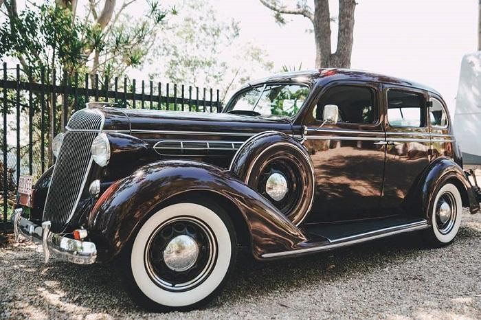 Chrysler Vintage Wedding Car R